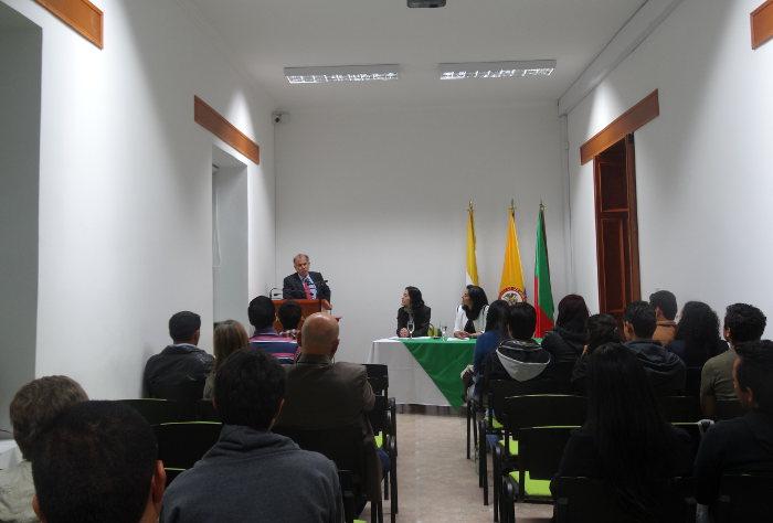 """Conferencia: """"Comparación Evolutiva entre la ley 600 de 2000 y el Sistema Penal Acusatorio en Colombia"""""""