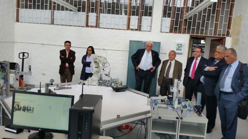El Consejo Superior visitó  los laboratorios de UNIAGRARIA