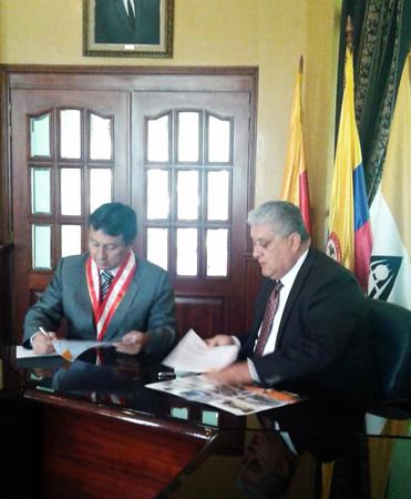 La Fundación Universitaria Agraria de Colombia  – UNIAGRARIA y la Universidad Nacional Hermilio Valdizán – UNHEVAL de Perú firman convenio para movilidad y proyectos conjuntos