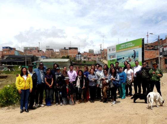 UNIAGRARIA, compartió con la comunidad en Altos de la Estancia en Ciudad Bolívar en una sesión más de las Madrugadas Rurales