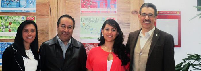 De derecha a Izquierda: Diana Quecan, Ing. Eduardo Arias, Ing. Tatiana Jiménez y Dr. Jorge Ibañez.