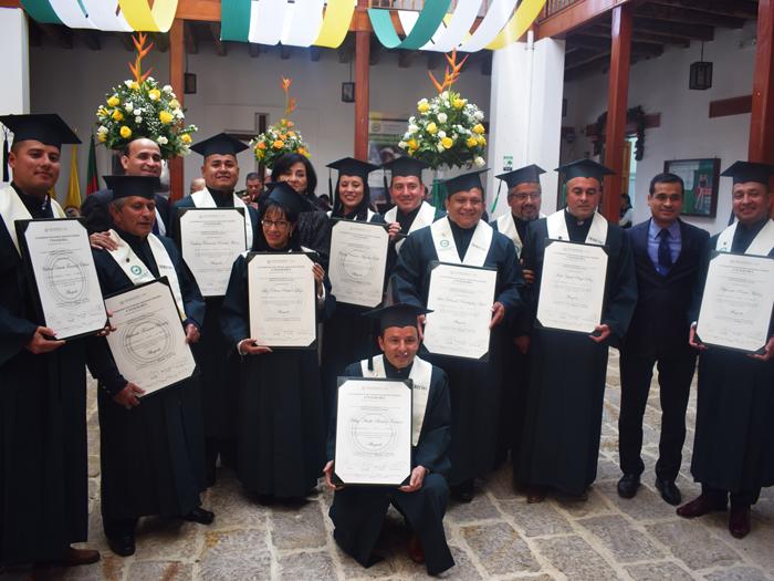 UNIAGRARIA graduó su primera promoción de abogados en la sede Facatativá