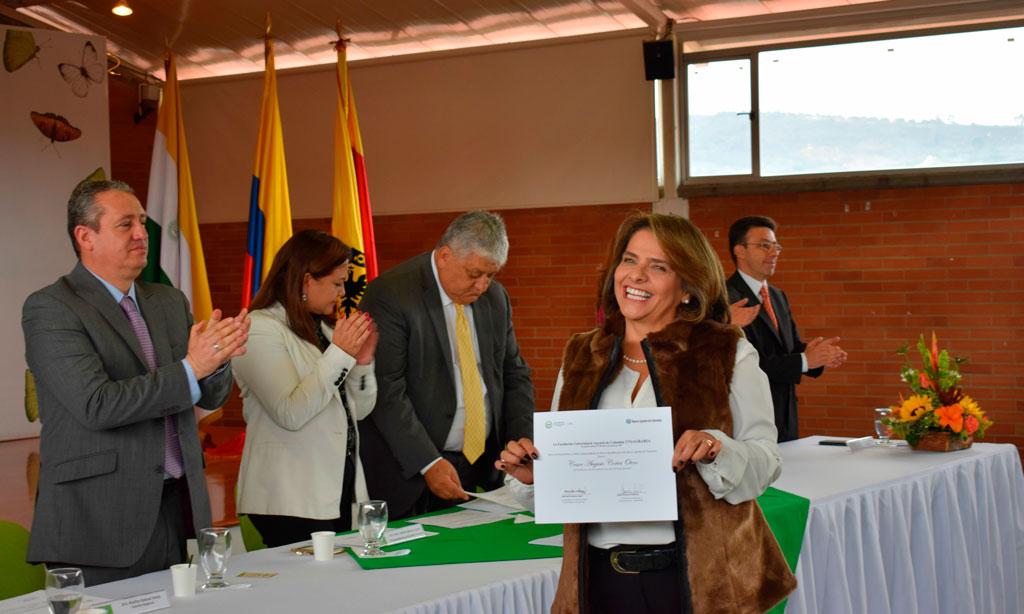 En UNIAGRARIA más de cien funcionarios del Banco Agrario de Colombia recibieron su grado
