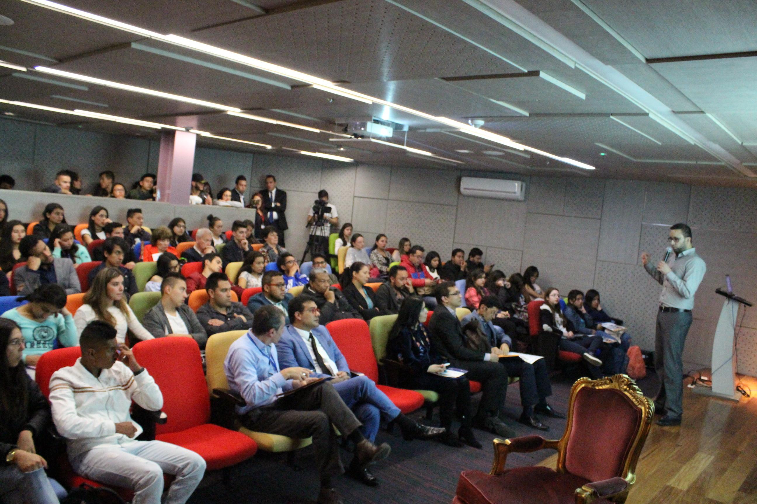 Ponencia De Ingeniería Civil En El 5 º Encuentro De Experiencias Significativas Y Primer Congreso De Educación Virtual