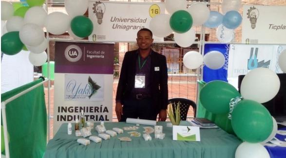 Participación de industrial en feria de Mercadotecnia en la Universidad Autónoma de Colombia
