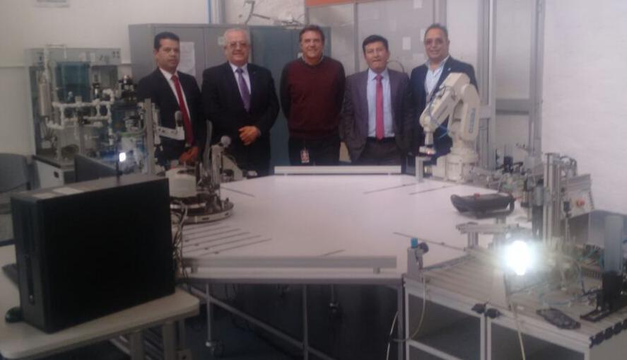 Programas de Ingeniería Mecatrónica unidos por RIMA