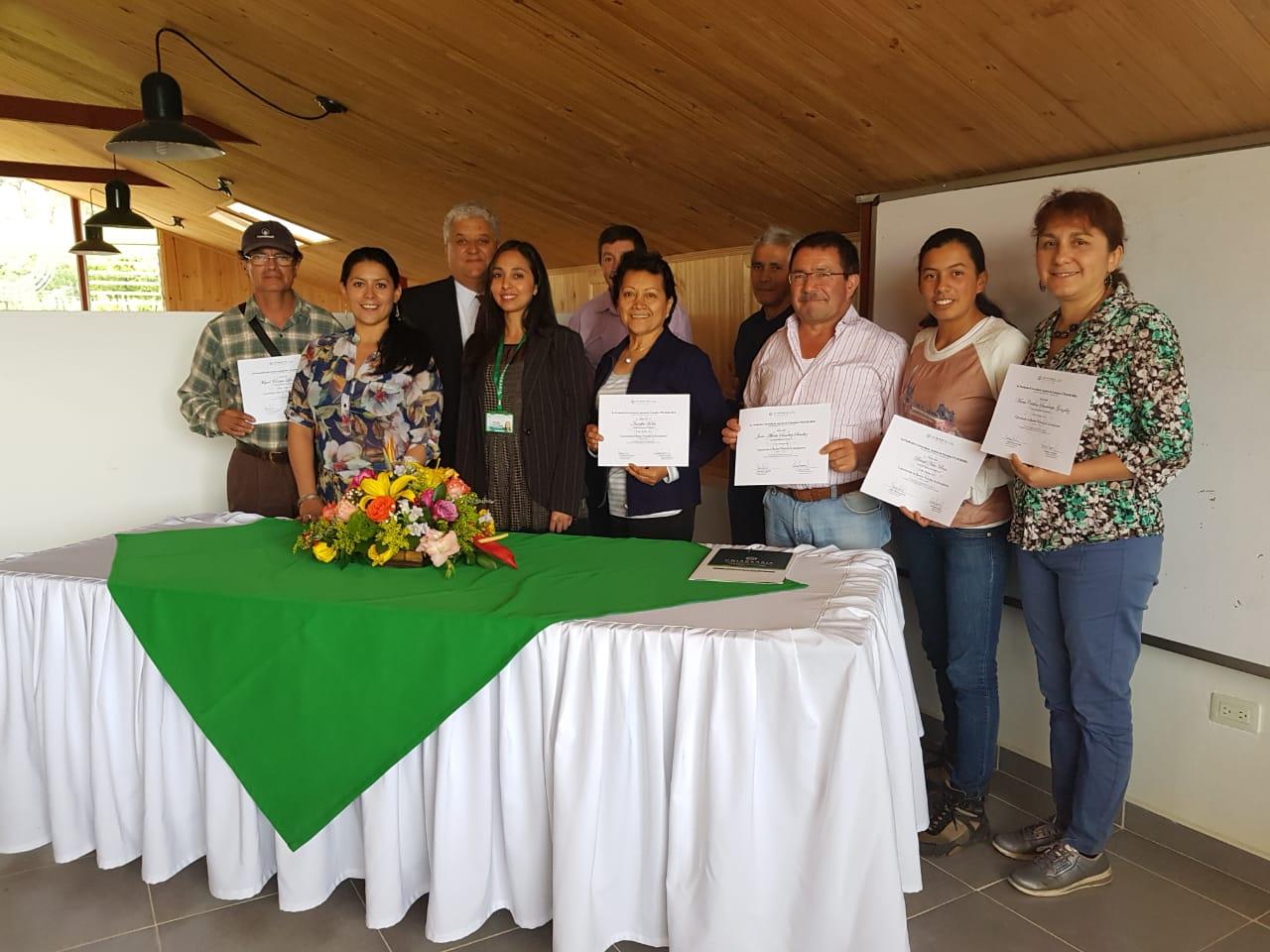 Entrega de diplomas por Buenas Prácticas de Manufactura a agricultores de Anolaima