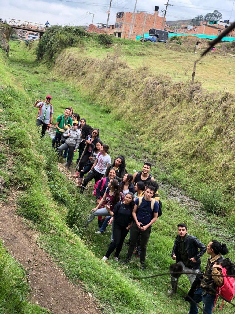 Día Mundial del Agua: nuestros estudiantes realizan el reto #BasuraChallenge
