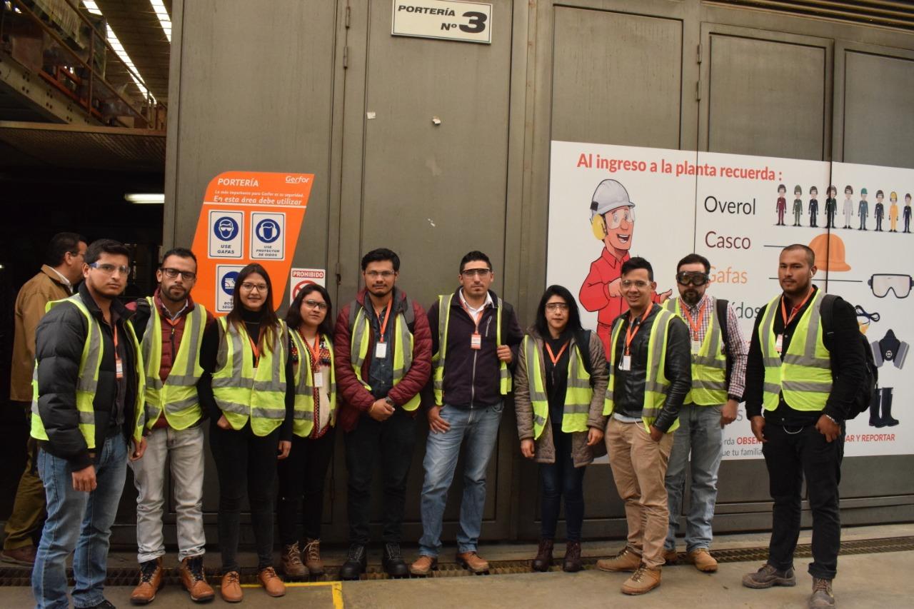 Estudiantes de Ingeniería Civil visitan la planta de PVC GERFOR